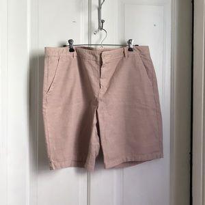 Very light pink Bermuda shorts